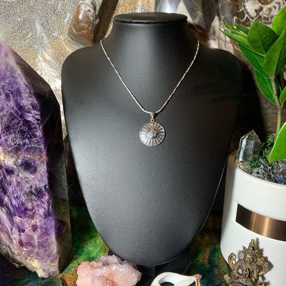 🌞 🌹NWT Sterling silver sun pendant